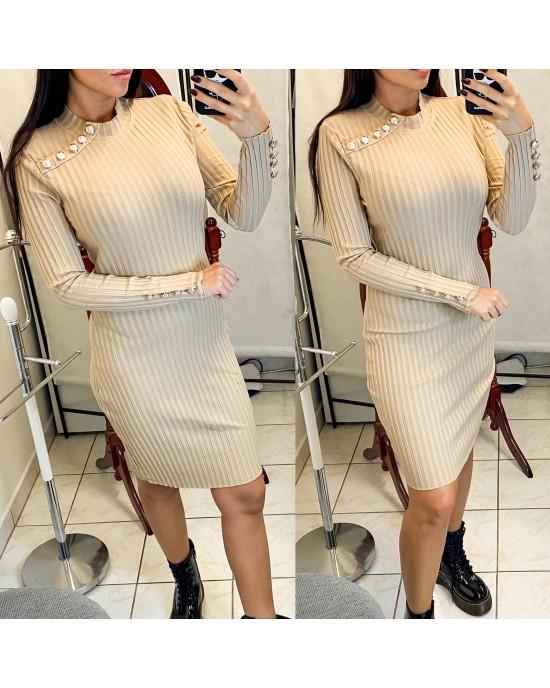 Béžové šaty so zlatými gombíkmi